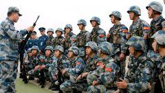 空降兵某旅在鄂北举办第一届军事体育运动会