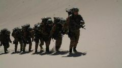 《军事报道》20190317特战女兵野外综合训练