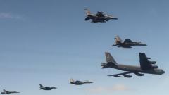假想敌是中俄 美日澳军演出动最强空中力量