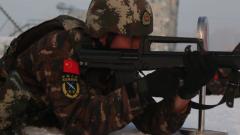 武警新疆总队:特战队员磨砺反恐硬功