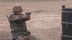 信任战友战胜恐惧 侦察尖兵提升心理素质通过掩护射击考核