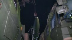 《军事报道》20190326火箭军导弹发射演练雨夜展开