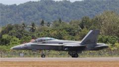 马来西亚战机在兰卡威航展上撞鸟迫降