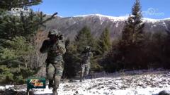 西藏总队:武警特战队员山林捕歼战斗