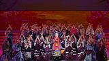 歌唱家才旦卓瑪在晚會上演唱歌曲《翻身農奴把歌唱》。新華社記者 李鑫 攝