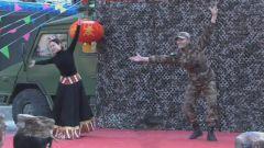 锅庄舞怎么跳?姑娘小伙告诉你