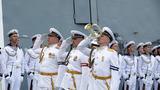 """俄罗斯""""戈尔什科夫海军元帅""""号护卫舰(舷号454)抵达。摄影:徐晓羽"""