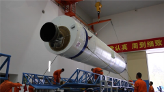 【军事嘚吧】火箭那么大 怎么运到发射场