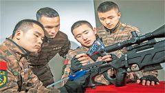上海总队执勤二支队在特战中队专设训练器材研修室