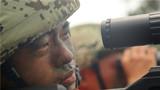 狙击小组精确瞄准。