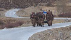 西藏军区:特战演练挑战高海拔高强度