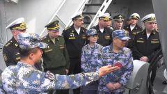 中俄海军组织援潜救生研讨交流