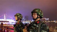 五一小长假 武警官兵全力守护游客出行安全