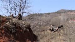 西部战区陆军某旅:多课目实战化训练锤炼官兵协同作战能力