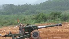 陆军第73集团军某旅:山雾笼罩 炮兵实弹射击贴近实战