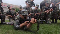 【军地青年典型走基层活动】深入训练一线 共话强军使命