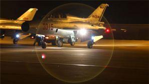 西安飛行學院:雛鷹展翅 搏擊夜空
