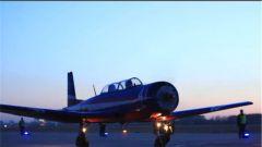 空军航空大学:飞行学员夜间起降训练