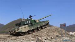 陆军第79集团军某合成旅:高强度考核 提升装甲兵实战攻防能力