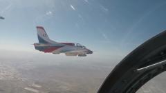 空軍西安飛行學院某旅:飛行學員全裝實彈訓練