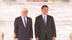 习近平举行仪式欢迎希腊总统访华 并同希腊总统举行会谈