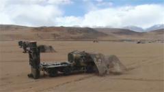西藏军区某防空旅:陆空对抗 全面检验武器效能