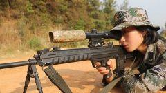 【第一军视】复杂环境 昼夜作战 男女狙击手各显身手