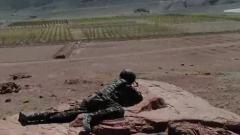 侦察组与狙击手同时行动 这默契程度真高