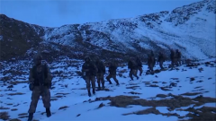 夜晚伏击开始 特战小队长面对新考验乱了阵脚