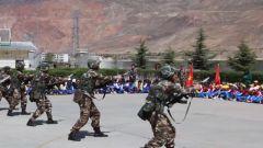 軍營開放日:近距離感受火熱軍營