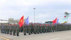 中国第18批赴黎巴嫩维和部队第一梯队飞赴任务区