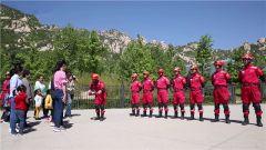 萌娃进军营:走进中国国际救援队