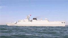 北部战区海军某护卫舰支队开展跨昼夜实弹射击训练