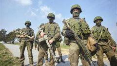 """俄空降兵部队参加""""北极星""""演习传递了什么?吴大辉:发出警告"""