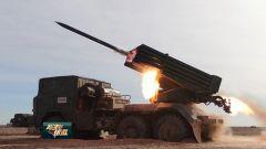 《军事报道》20190605戈壁砺剑 火箭炮分队火力全开