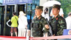 广西北海:端午假期,武警官兵守护旅客平安