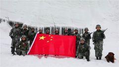 """【第一军视】海拔5200米冰川里 他们喊出""""祖国我爱你!"""""""