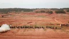 陆军边海防学院展开毕业学员综合演练