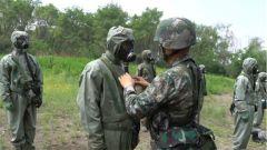 【记者在战位】直击防化兵识毒排毒全过程