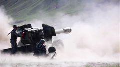 【第一军视】炮弹呼啸出膛  炮兵群集中火力热血开打