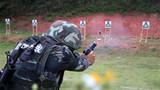 特戰隊員正在進行手槍快速射擊