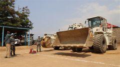 中国第22批赴刚果(金)维和工兵分队乌维拉分遣队高标准通过装备核查
