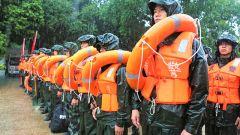廣西北海:武警官兵開展防汛救災綜合演練