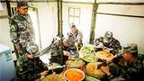 供應分隊切實保障聯訓官兵的伙食供給。