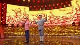 圖為青年歌手喬軍、王紅濤演唱經典軍歌《軍民大生產》。