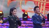 圖為青年女高音王瑩和青年歌手湯非演唱軍歌《軍人本色》。