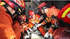 解放军报评论员文章:支持配合地方开展抢险救灾工作