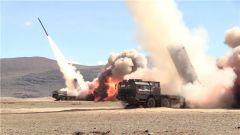 西藏:海拔4500米 多炮种实弹射击演练震撼上演