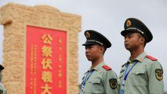 甘肃天水:武警官兵为公祭伏羲大典现场执勤