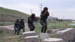 武警新疆总队:极限课目演练锤炼部队作战能力